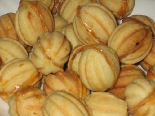 рецепт печенья орешки со сгущенкой: